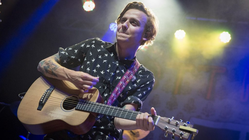 OTTAWA, ON - SEPTEMBER 17: Scott Helman performs on day 5 of the CityFolk Festival at The Great Lawn at Lansdowne Park on September 17, 2017 in Ottawa, Canada. (Photo by Mark Horton/WireImage)