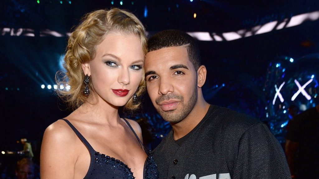 Taylor Swift and Drake attend the 2013 MTV Video Music Awards at the Barclays Center on August 25, 2013 in the Brooklyn borough of New York City.