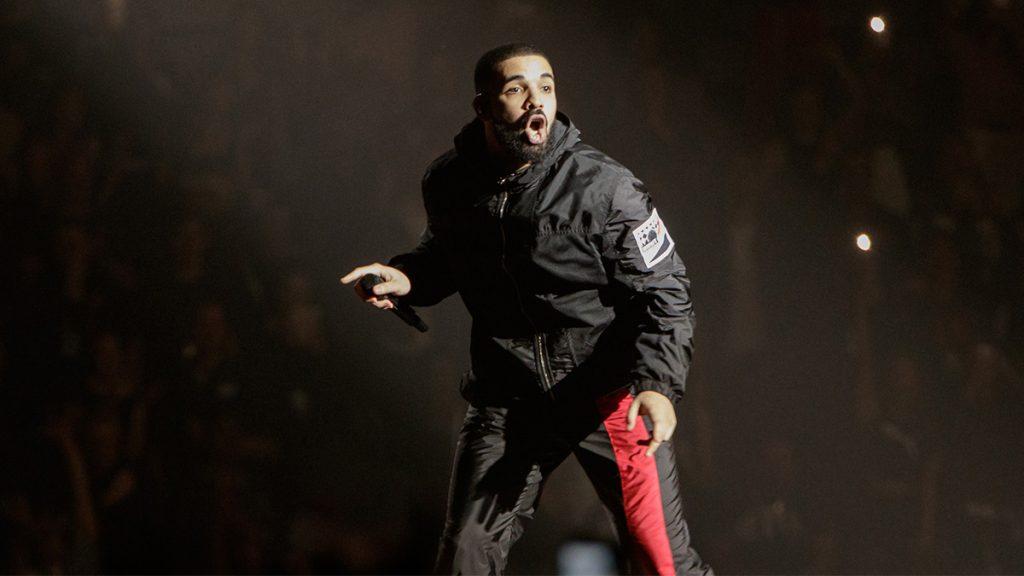 AUCKLAND, NEW ZEALAND - NOVEMBER 03: Drake performs at at Spark Arena on November 3, 2017 in Auckland, New Zealand.